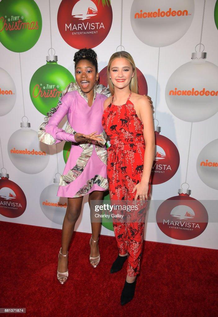 "Red Carpet Premiere Of The Nickelodeon Movie ""Tiny Christmas"" : Fotografía de noticias"