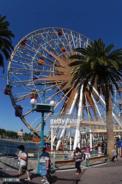 Riesenrad Disneyland Resort Anaheim bei Los Angeles Kalifornien USA Amerika Nordamerika Vergnügungspark Freizeitpark Reise