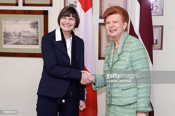 President of Latvia Vaira VikeFreiberga and her Swiss counterpart Micheline CalmyRey dpose uring their meeting in Riga 12 April 2007AFP PHOTO/ILMARS...