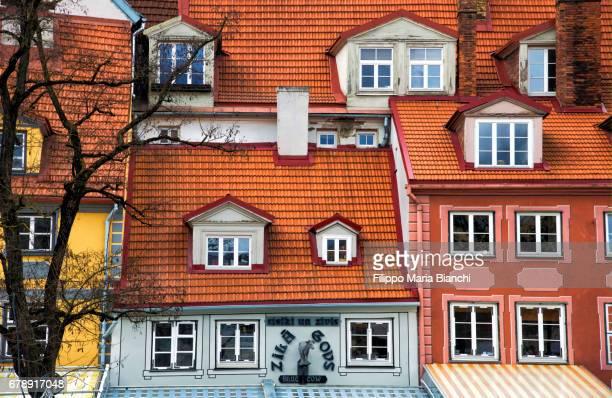 riga old town - edificio residenziale ストックフォトと画像