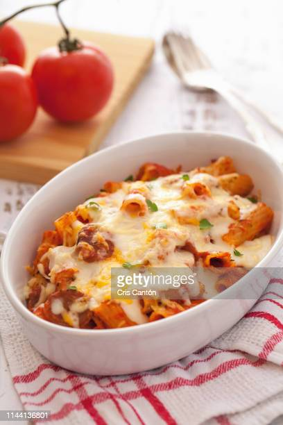 rigatoni with chorizo - cris cantón photography stock pictures, royalty-free photos & images