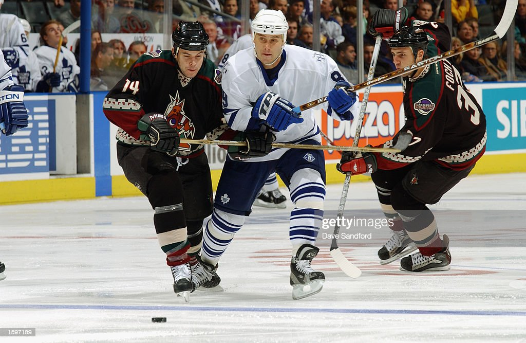 sale retailer 41a3b 8061d Right wing Alexander Mogilny of the Toronto Maple Leafs and ...
