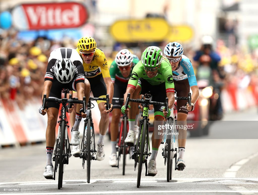 Rigoberto Uran of Columbia and Cannondale Drapac Professional Cycling Team (R) wins the stage ahead of Warren Barguil of France and Team Sunweb (L) during stage nine of Le Tour de France 2017, a 182km stage between Nantua and Chambery on July 9, 2017 in Chambery, France.