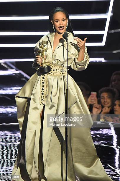 Rihanna accepts the The Video Vanguard Award during the 2016 MTV Video Music Awards at Madison Square Garden on August 28, 2016 in New York City.