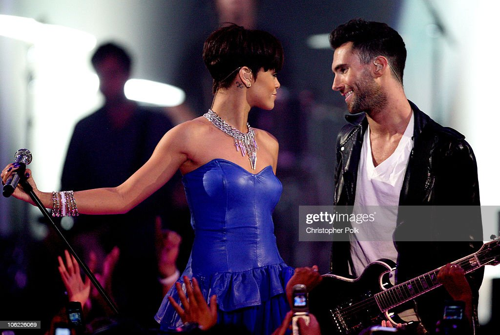 Rihanna and Adam Levine of Maroon 5 perform during the taping of MTV's 'FNMTV' on June 25, 2008 in Hollywood, California.
