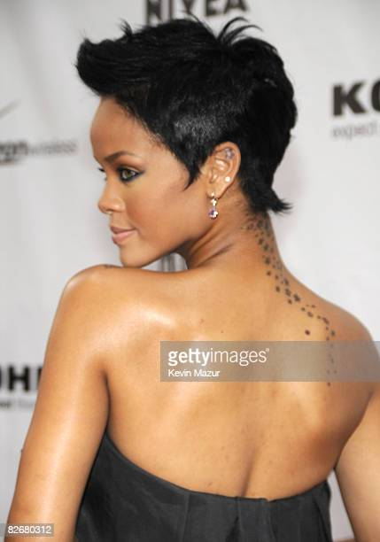 Rihanna arrives at Conde Nast Media Group's Fifth Annual Fashion Rocks at Radio City Music Hall on September 5 2008 in New York City