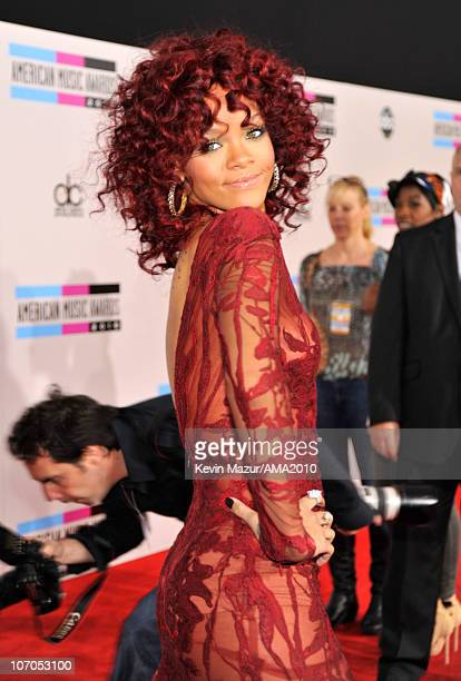 Rihanna arrives at the 2010 American Music Awards held at Nokia Theatre L.A. Live on November 21, 2010 in Los Angeles, California.