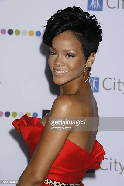 Rihanna arrives on the Red Carpet of the 2008 Spirit Of Life Award Dinner on October 15, 2008 in Santa Monica, California.