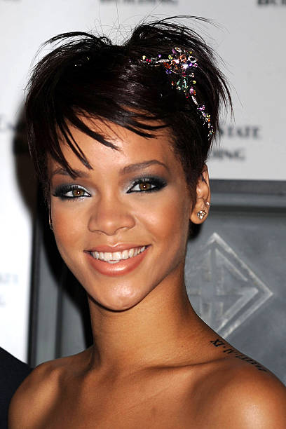 Rihanna As She Hosts The Lighting Of Empire State Building To Celebrate Cartie S Newest Love