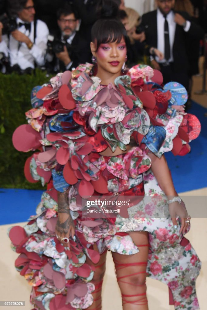 """""""Rei Kawakubo/Comme des Garcons: Art Of The In-Between"""" Costume Institute Gala - Arrivals : News Photo"""