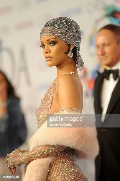 Rihanna attends the 2014 CFDA fashion awards at Alice Tully Hall, Lincoln Center on June 2, 2014 in New York City.