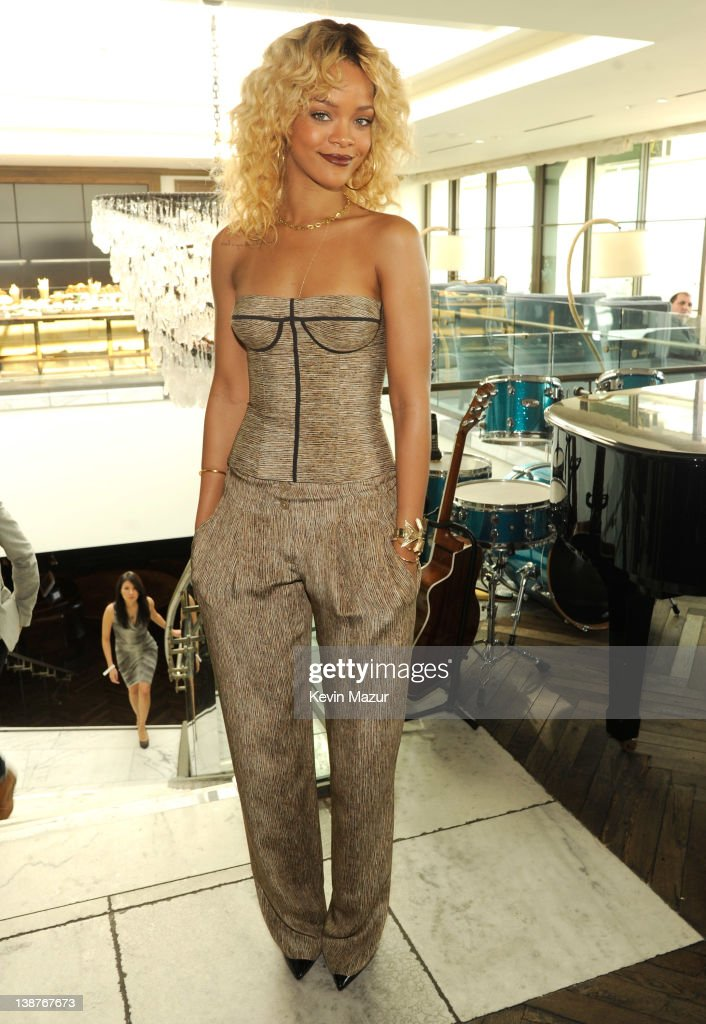 Rihanna attends the 4th Annual Roc Nation Pre-GRAMMY brunch at Soho House on February 11, 2012 in West Hollywood, California.