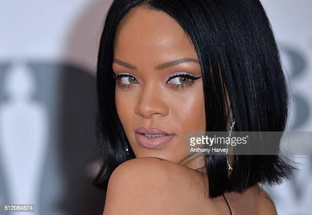 Rihanna Headshot 2016