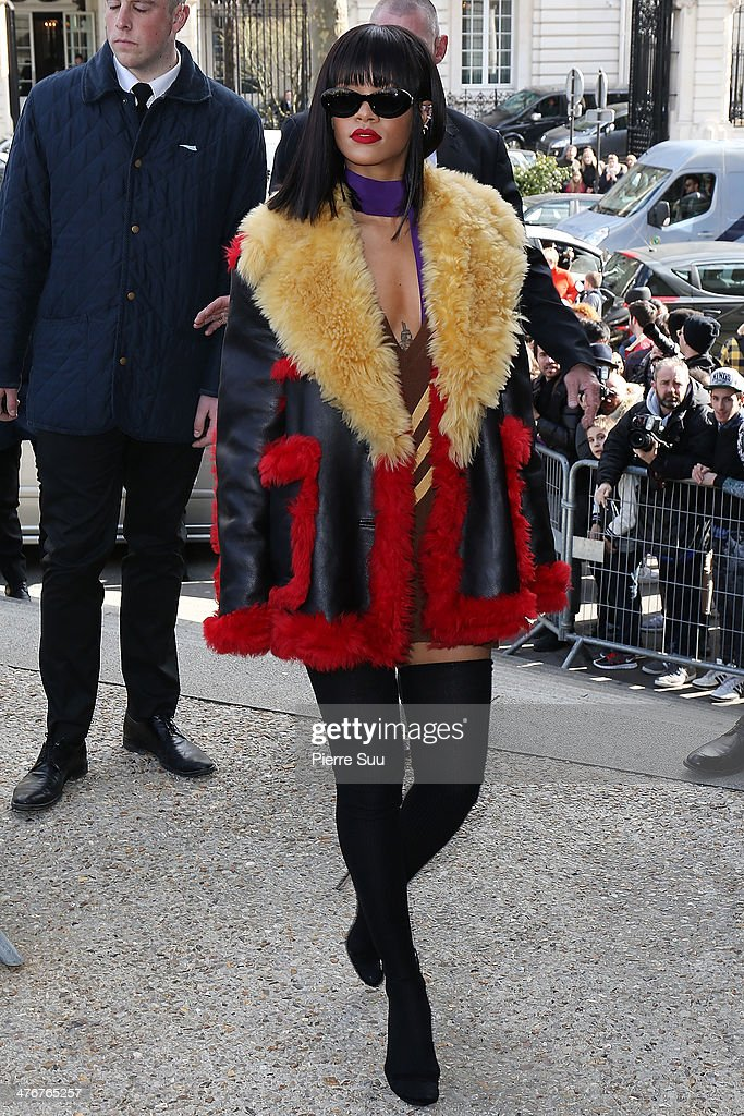 Miu Miu  : Outside Arrivals  - Paris Fashion Week Womenswear Fall/Winter 2014-2015 : News Photo