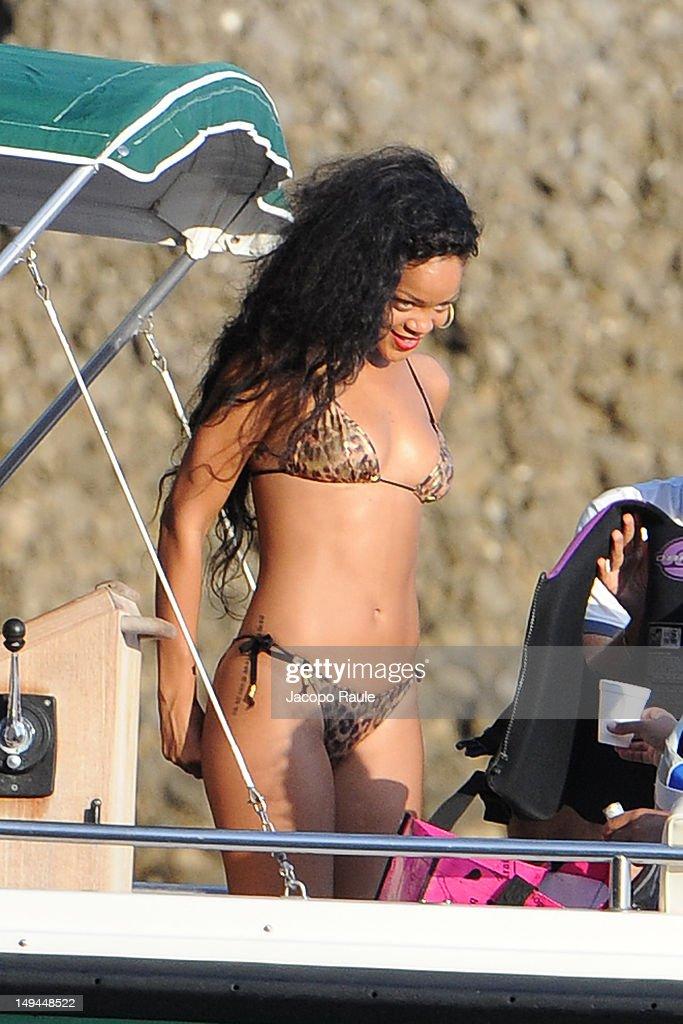 Rihanna Sightings In Portofino - July 28, 2012 : ニュース写真