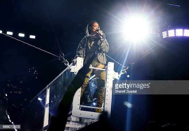 Rihanna performs at 2016 Budweiser Made In America Festival - Day 1 on September 3, 2016 in Philadelphia, Pennsylvania.