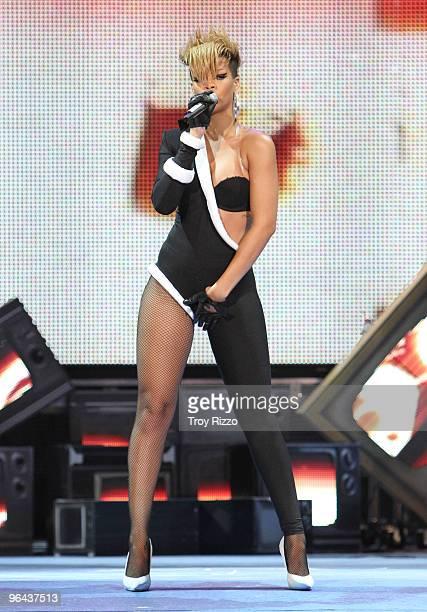 Rihanna performs at Pepsi Super Bowl Fan Jam on February 4 2010 in Miami Beach Florida