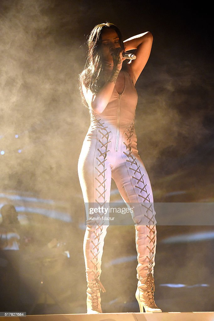 "Rihanna ""Anti World Tour"" - Brooklyn : News Photo"