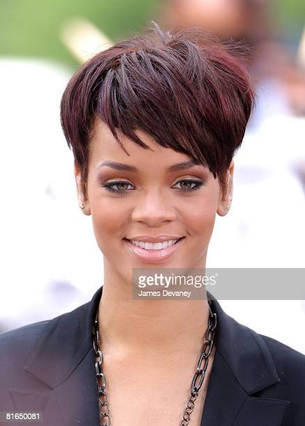 Rihanna performs on CBS' 'The Early Show' on June 20 2008 at the CBS Studios Plaza in New York