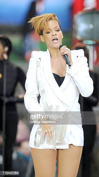Rihanna performs on stage ABC's 'Good Morning America' at ABC Studios on November 24 2009 in New York City