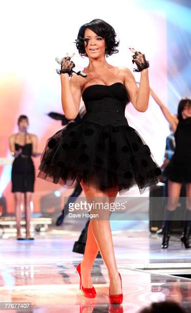 Rihanna performs on stage at at the World Music Awards 2007 at the Monte Carlo Sporting Club on November 4, 2007 in Monte Carlo, Monaco.