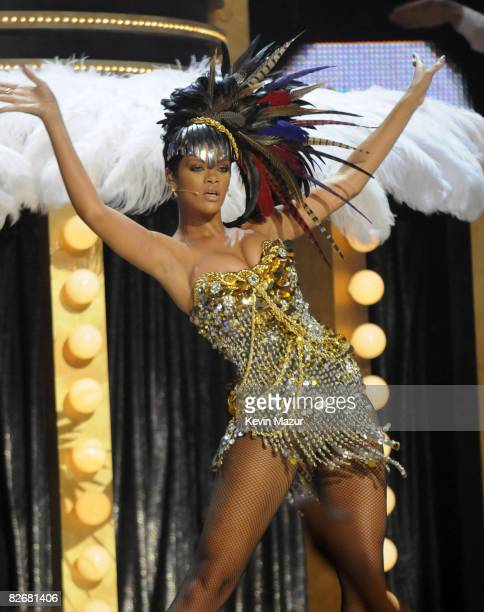 Rihanna performs on stage during the Conde Nast Media Group's Fifth Annual Fashion Rocks at Radio City Music Hall on September 5, 2008 in New York...