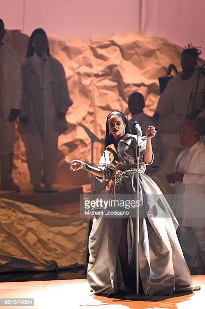 Rihanna performs onstage during the 2016 MTV Music Video Awards at Madison Square Gareden on August 28, 2016 in New York City.