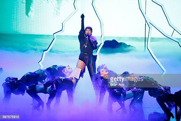 Rihanna performs onstage during the 2016 MTV Music Video Awards at Madison Square Garden on August 28, 2016 in New York City.