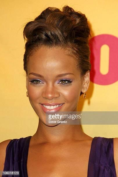 Rihanna, winner Choice R&B Artist and Breakout, Female
