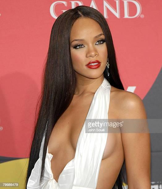 Rihanna winner Female Artist