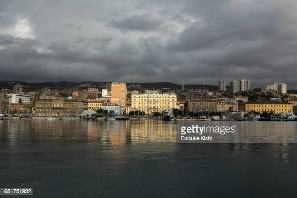 rijeka, croatia - 船舶 stock pictures, royalty-free photos & images