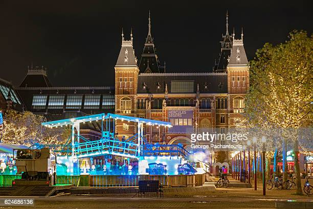 rijksmuseum in the winter, amsterdam - museumplein stock pictures, royalty-free photos & images