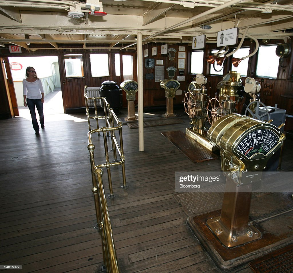 Rika Retz of Sweden tours the bridge of the Queen Mary ship : News Photo