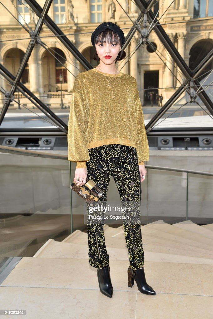 Louis Vuitton: Front Row  - Paris Fashion Week Womenswear Fall/Winter 2017/2018
