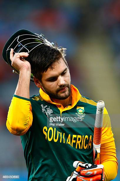 Rilee Rossouw of South Africa leaves the field during the 2015 ICC Cricket World Cup match between South Africa and Pakistan at Eden Park on March 7...