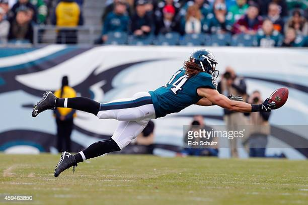 Riley Cooper of the Philadelphia Eagles attempts to make a catch in the second quarter against the Tennessee Titans at Lincoln Financial Field on...
