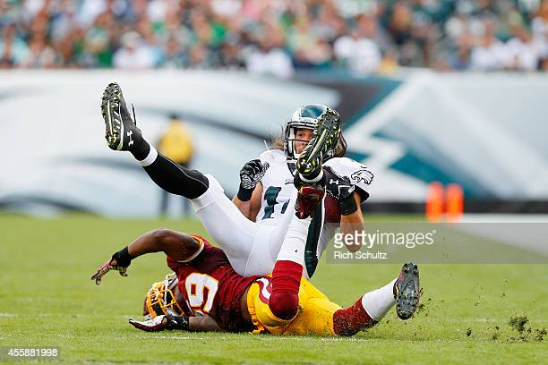 Riley Cooper of the Philadelphia Eagles makes a catch against David Amerson of the Washington Redskins in the fourth quarter at Lincoln Financial...
