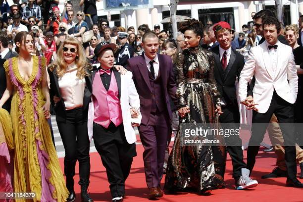 Riley Keough Andrea Arnold Veronica Ezell Sasha Lane McCaul Lombardi Raymond Coalson and Shia LaBeouf attend the premiere of 'American Honey' during...