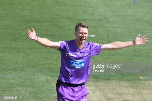 Riley Meredith of the Hurricanes appeals for a wicket during the Big Bash League match between the Adelaide Strikers and the Hobart Hurricanes at...