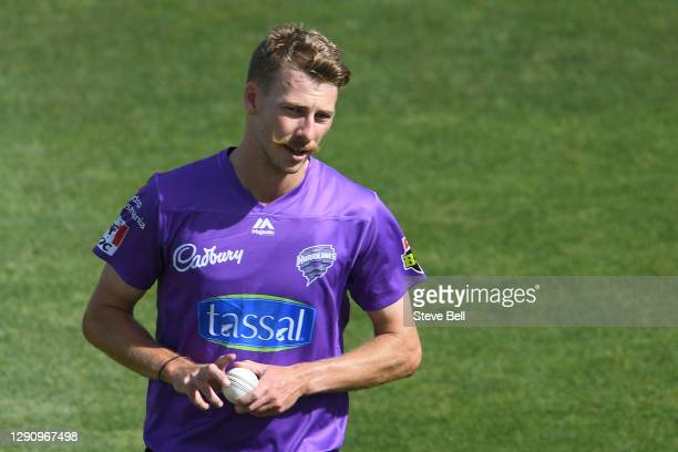 Riley Meredith of the Hurricanes prepares to bowl during the Big Bash League match between the Adelaide Strikers and the Hobart Hurricanes at...