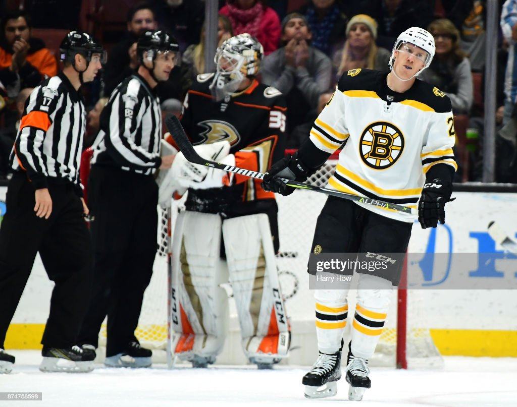 Riley Nash #20 of the Boston Bruins reacts after save from John Gibson #36 of the Anaheim Ducks on a break away during the third period in a 4-2 Bruins loss at Honda Center on November 15, 2017 in Anaheim, California.