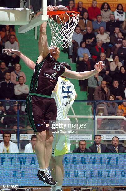 Rimantas Kaukenas, #13 of Montepaschi Siena in action during the Euroleague Basketball Last 16 Game 2 match between Montepaschi Siena v Fenerbahce...