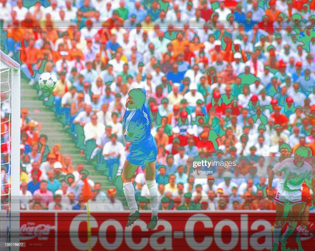 Rinat Dasajev during the European Championship final between Netherlands and USSR at the Olympia Stadium, June 25, 1988 in Munich, Germany.