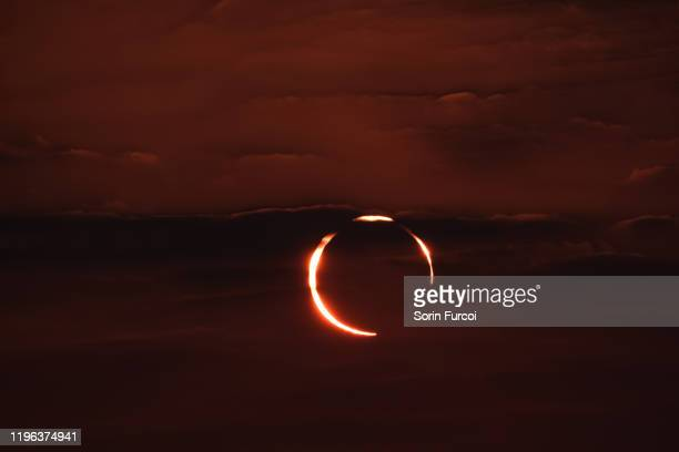 """""""ring of fire"""" solar eclipse - eclipse stock pictures, royalty-free photos & images"""
