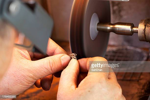 ring polishing - jeweller stock pictures, royalty-free photos & images