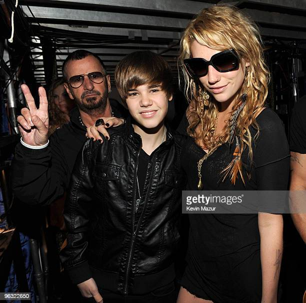 LOS ANGELES CA JANUARY 31 *EXCLUSIVE* Ringo Starr Justin Bieber and Ke$ha during the dress rehearsal at Staples Center on January 31 2010 in Los...