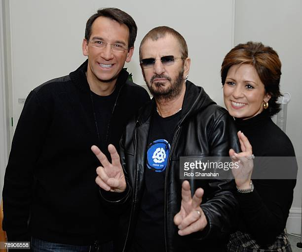 ACCESS *** Ringo Starr poses with television presenters Dave Price and Maggie Rodriguez of CBS 'The Early Show' prior to the People's Opening of...