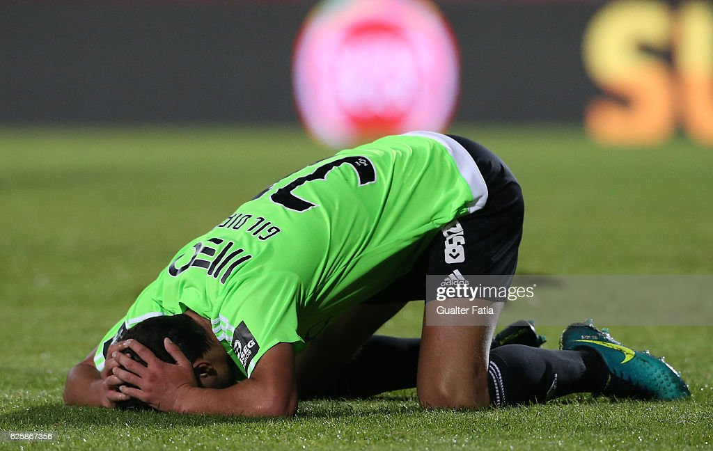 Rio Ave FC's forward Gil Dias reaction after missing a goal opportunity during Primeira Liga match between Vitoria Setubal and Rio Ave FC at Estadio do Bonfim on November 25, 2016 in Setubal (Lisbon), Portugal.