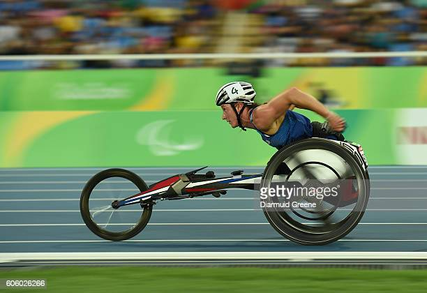 Rio , Brazil - 15 September 2016; Tatyana McFadden of USA on her way to winning the Women's 5000m T54 Final at Olympic Stadium during the Rio 2016...