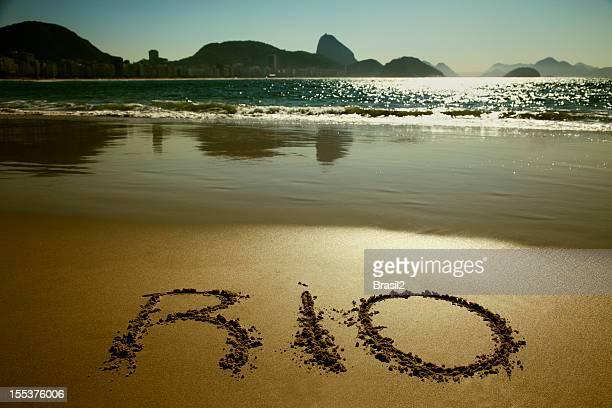 rio de janeiro und copacabana beach - copacabana rio de janeiro stock-fotos und bilder